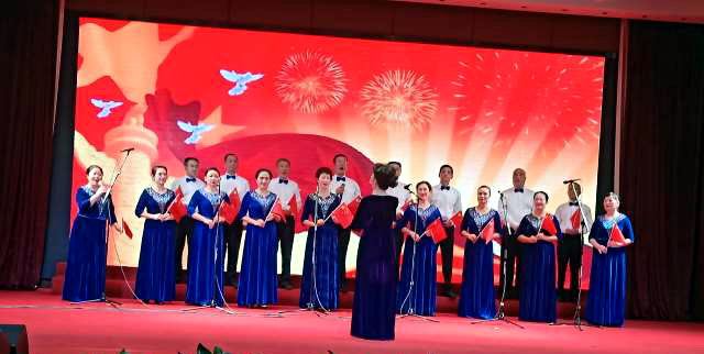 成都高新公安举行庆祝中华人民共和国成立70周年合唱比赛